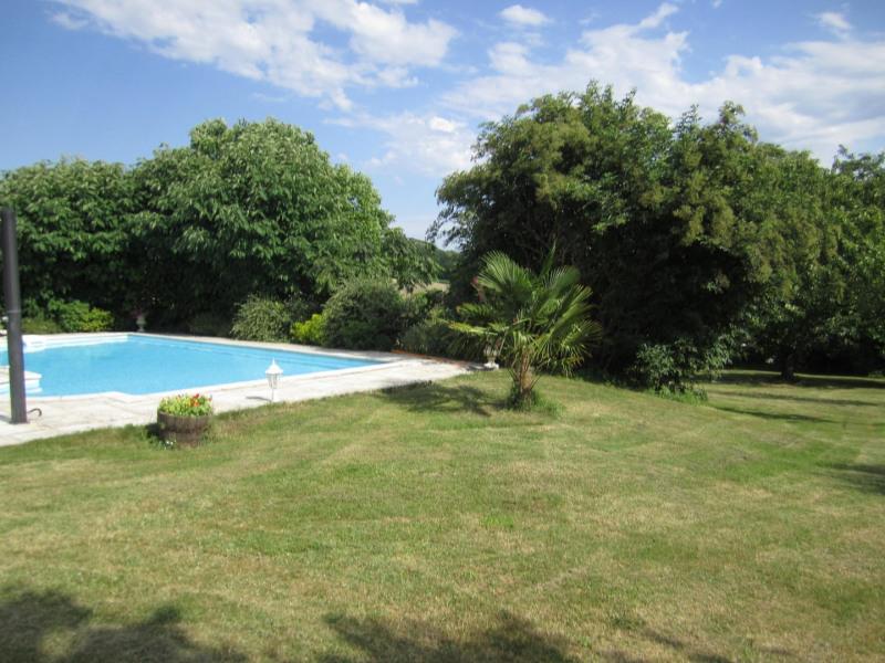 Sale house / villa Barbezieux saint-hilaire 239200€ - Picture 4
