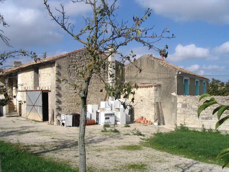 Sale house / villa St fraigne 120000€ - Picture 4
