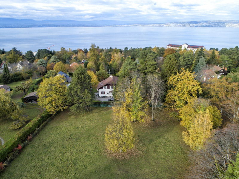 Evian-les-Bains - Terrain constructible de 2887 m² - Quartier ré