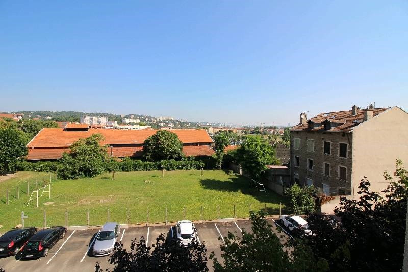 Sale apartment Oullins 238 000€ - Picture 1