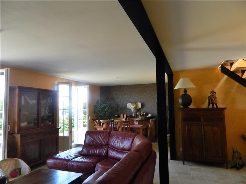 Sale house / villa St martin d'heuille 190 000€ - Picture 2
