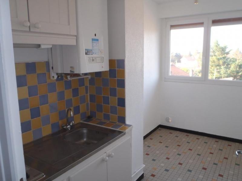 Rental apartment Montelimar 375€ CC - Picture 1