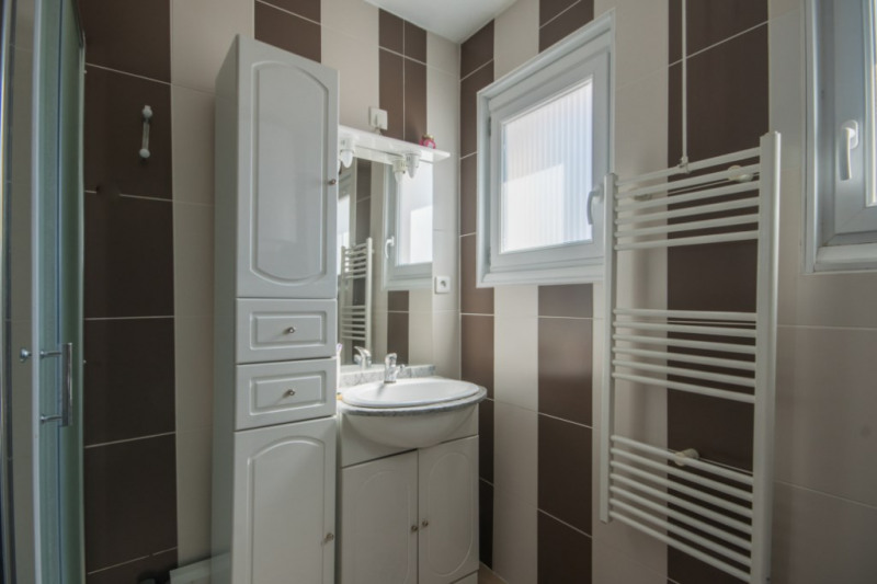 Sale apartment Aix les bains 222600€ - Picture 8