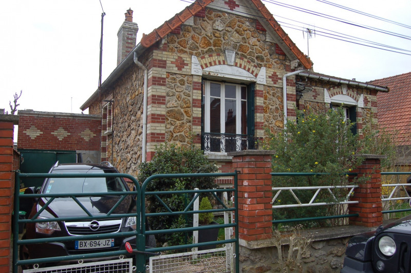 Sale house / villa Franconville 296 000€ - Picture 1