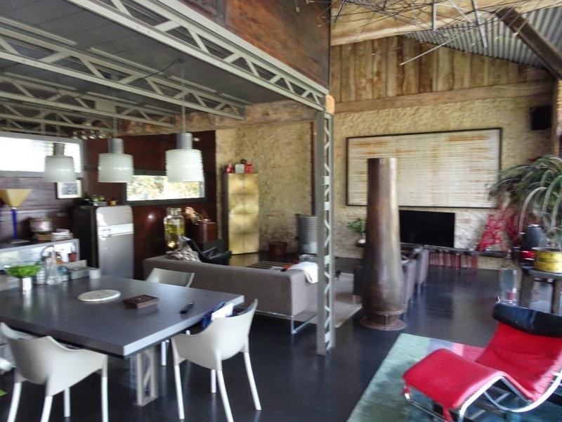 Deluxe sale loft/workshop/open plan Isle jourdain 548 000€ - Picture 3