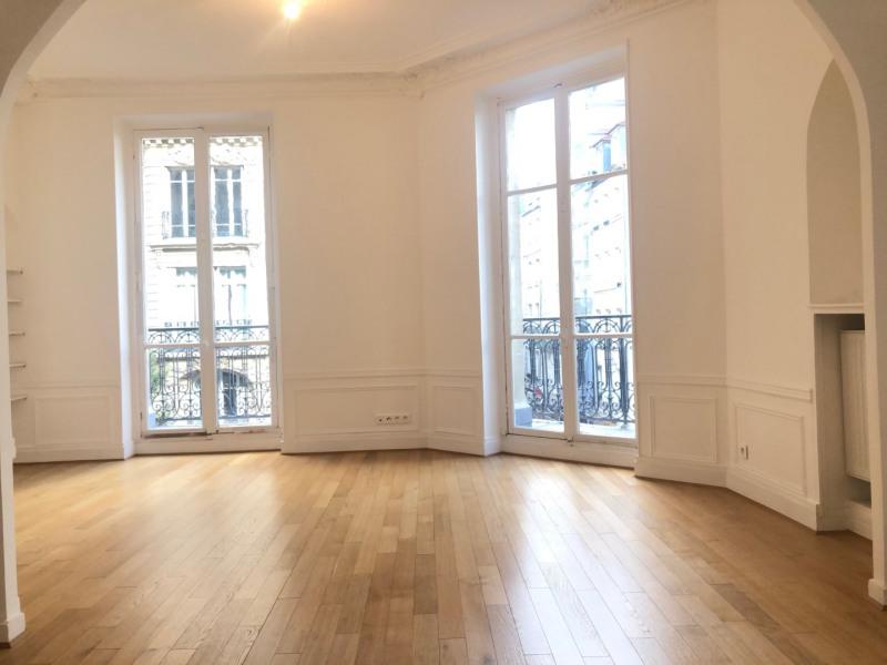 Rental apartment Paris 3ème 2362€ CC - Picture 2
