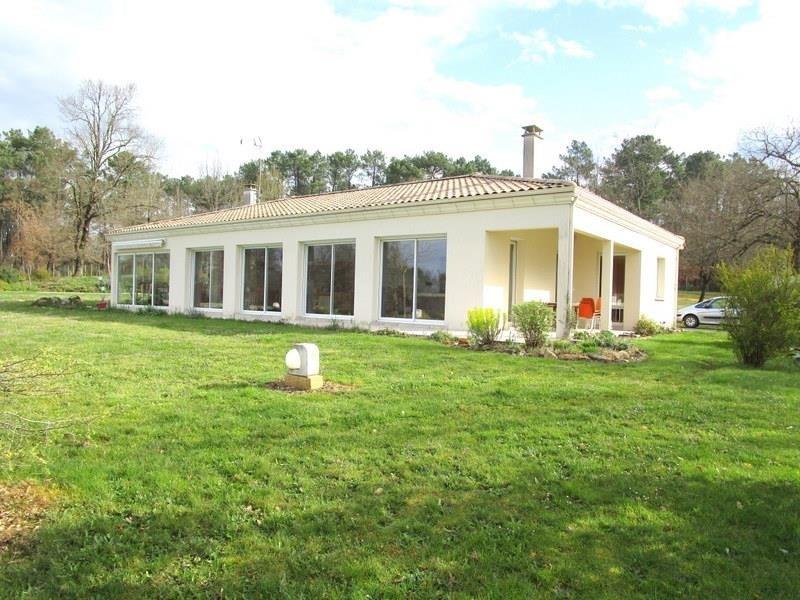 Sale house / villa Villefranche de lonchat 470000€ - Picture 1
