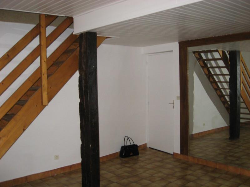 Location appartement Aouste-sur-sye 352€ CC - Photo 1