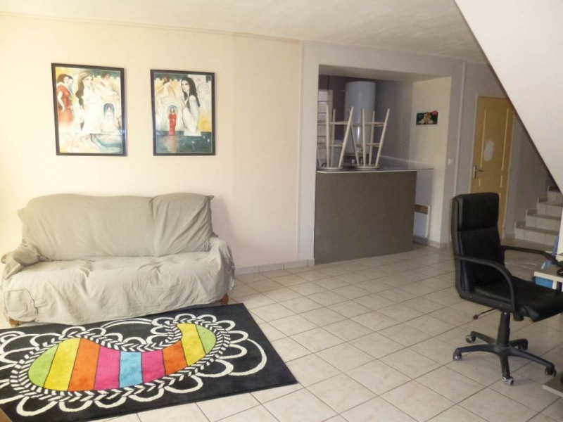 Location appartement Entraigues sur la sorgue 490€ CC - Photo 2
