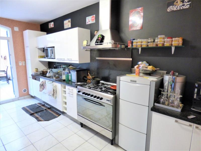 Sale house / villa Saint martin de gurson 273000€ - Picture 2