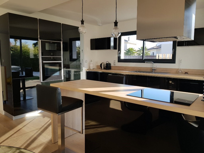 Vente maison / villa Ares 682500€ - Photo 4