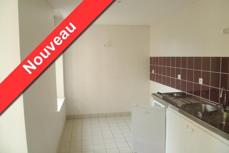 Location appartement Aire sur la lys 437€ CC - Photo 1