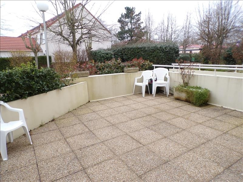 Sale apartment Guyancourt 229 000€ - Picture 1