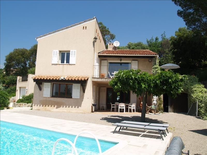 Deluxe sale house / villa Les issambres 690000€ - Picture 2