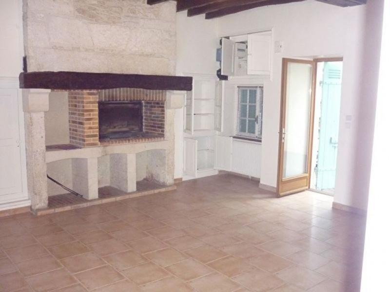 Rental house / villa Savignac les eglises 457€ CC - Picture 1