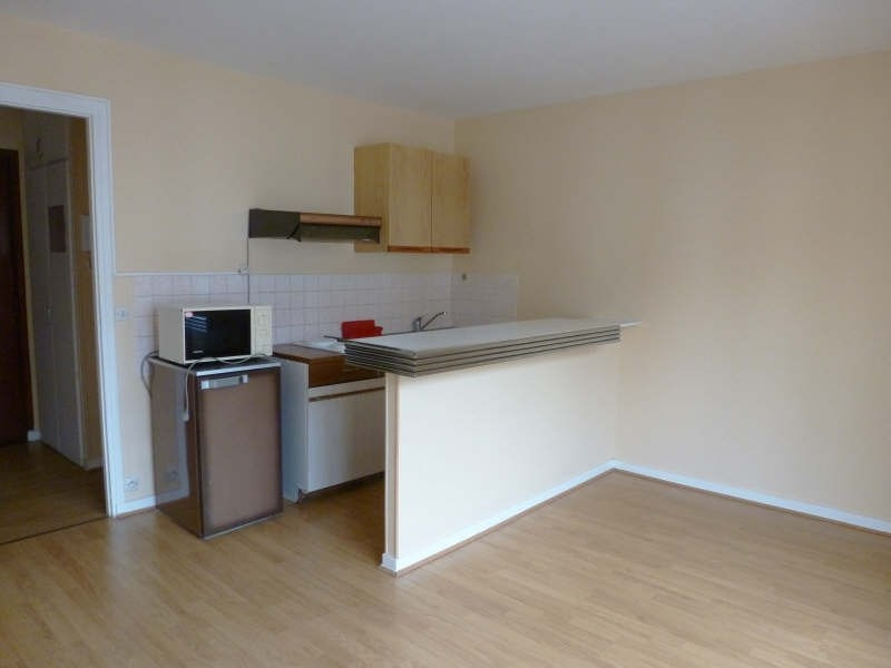 Rental apartment Maurepas 583€ CC - Picture 2