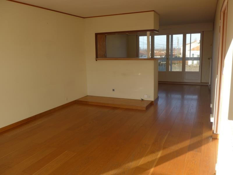 Sale apartment La roche sur yon 118 400€ - Picture 2
