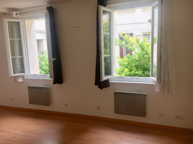 Location appartement Saint germain en laye 658€ CC - Photo 2