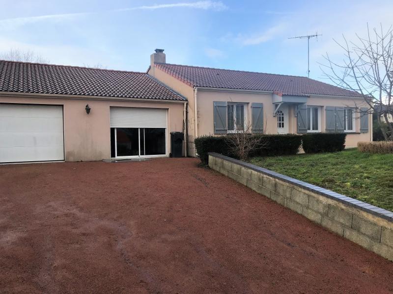 Vente maison / villa Le fief sauvin 164300€ - Photo 1