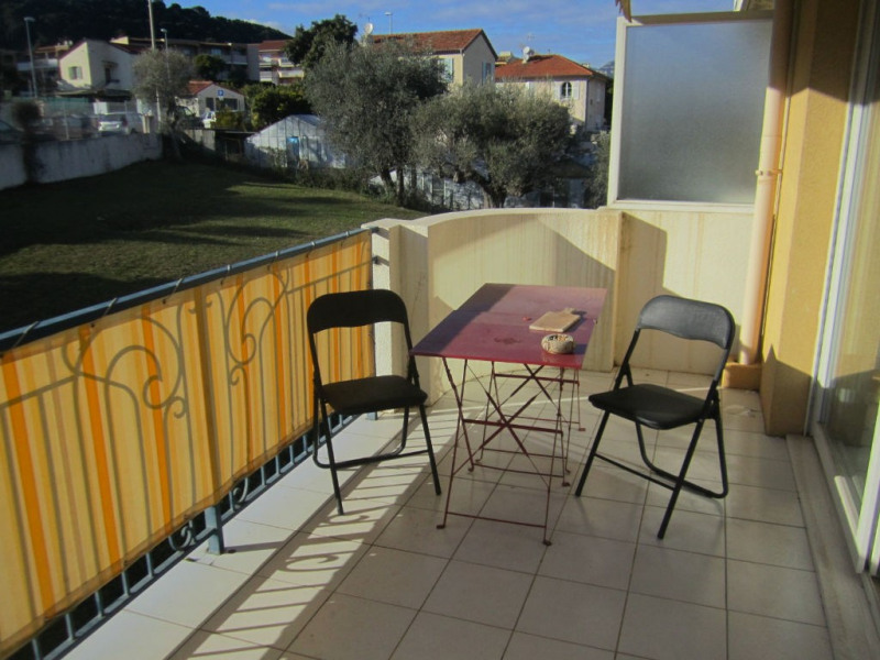 Location appartement Saint laurent du var 815€ CC - Photo 5