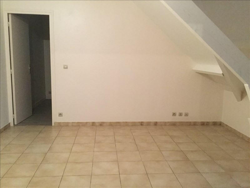 Rental apartment Limours 630€ CC - Picture 2
