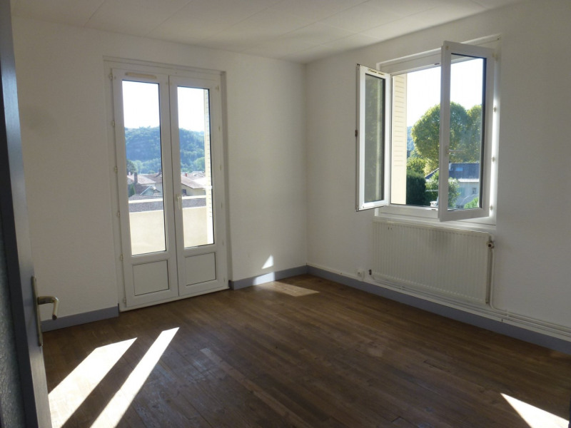 Location appartement St uze 450€ CC - Photo 1