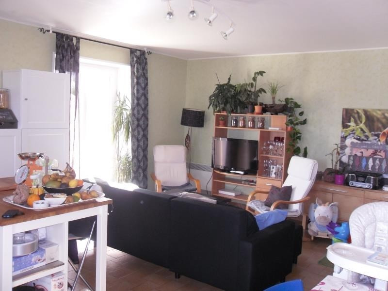 Location maison / villa Tremeven 560€ CC - Photo 2