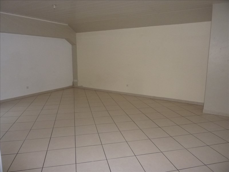 Rental apartment Claye souilly 785€ CC - Picture 2