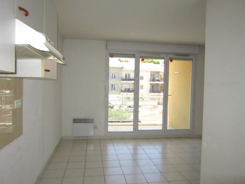 Verhuren  appartement Pelissanne 965€ CC - Foto 2