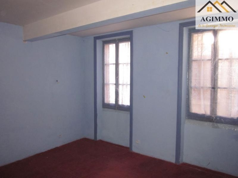 Sale house / villa L isle jourdain 65000€ - Picture 2