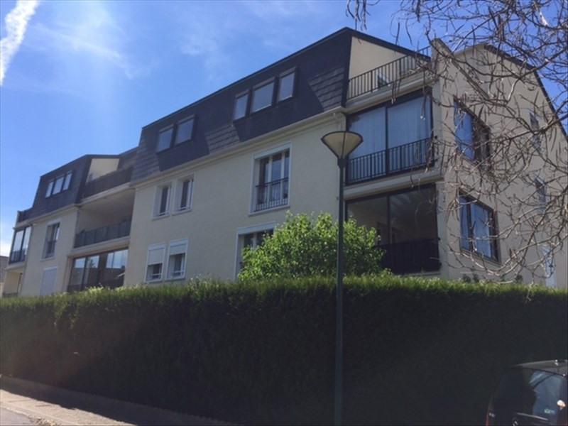 Verhuren  appartement Dourdan 765€ CC - Foto 1