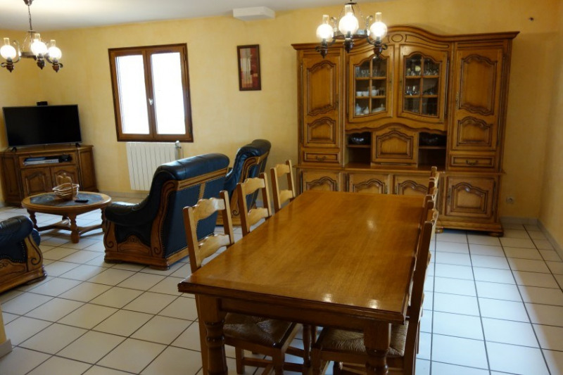 Revenda casa Treves 295000€ - Fotografia 6