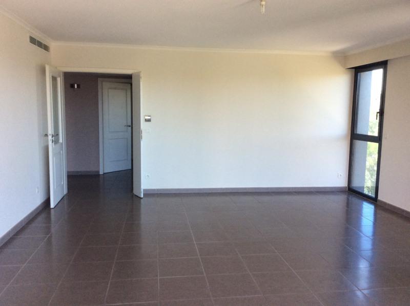 Rental apartment Fréjus 1187€ CC - Picture 2
