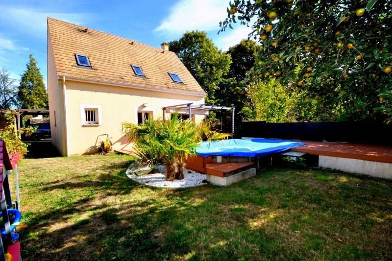 Sale house / villa Forges les bains 369000€ - Picture 1