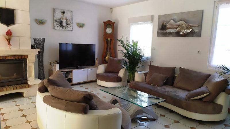 Sale house / villa La ville aux dames 322000€ - Picture 1