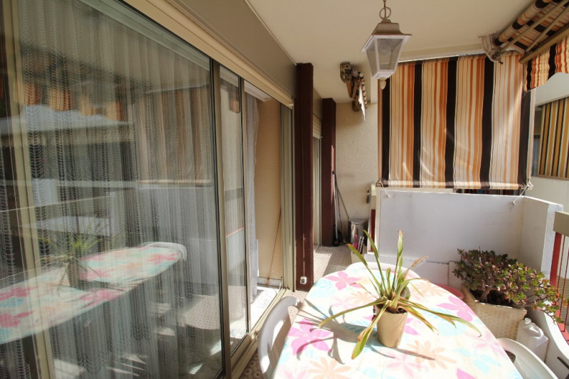 Sale apartment Nice 340 000€ - Picture 2