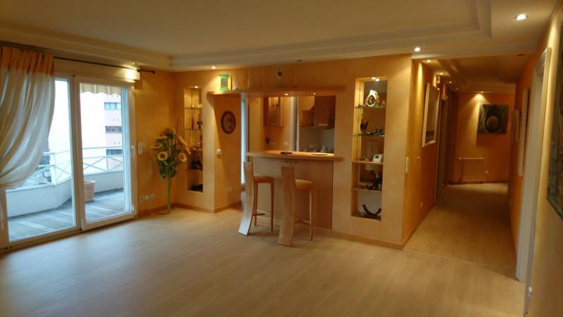 Deluxe sale apartment Gaillard 420000€ - Picture 12