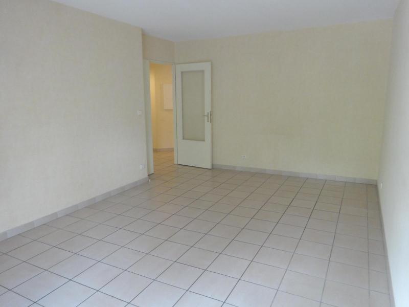 Location appartement Grenoble 820€ CC - Photo 3