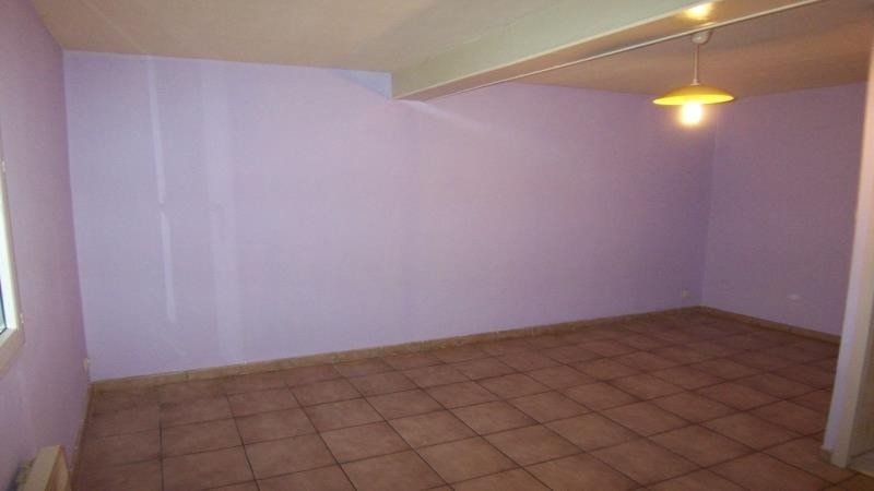 Rental apartment Troyes 382€ CC - Picture 2