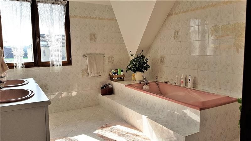 Vente maison / villa Ormesson sur marne 442000€ - Photo 6
