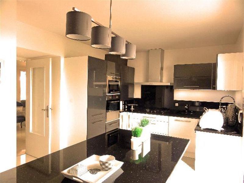 Deluxe sale apartment Villeurbanne 555000€ - Picture 5