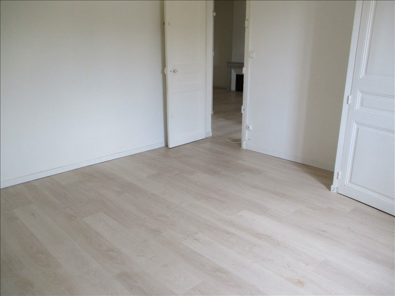 Location appartement Salon de provence 764€ CC - Photo 5