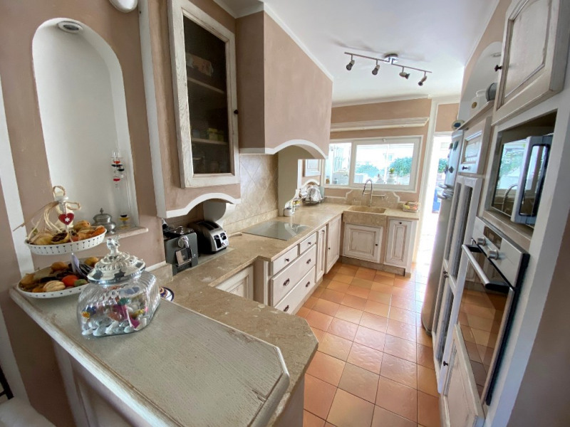 Sale house / villa Les milles 389000€ - Picture 3