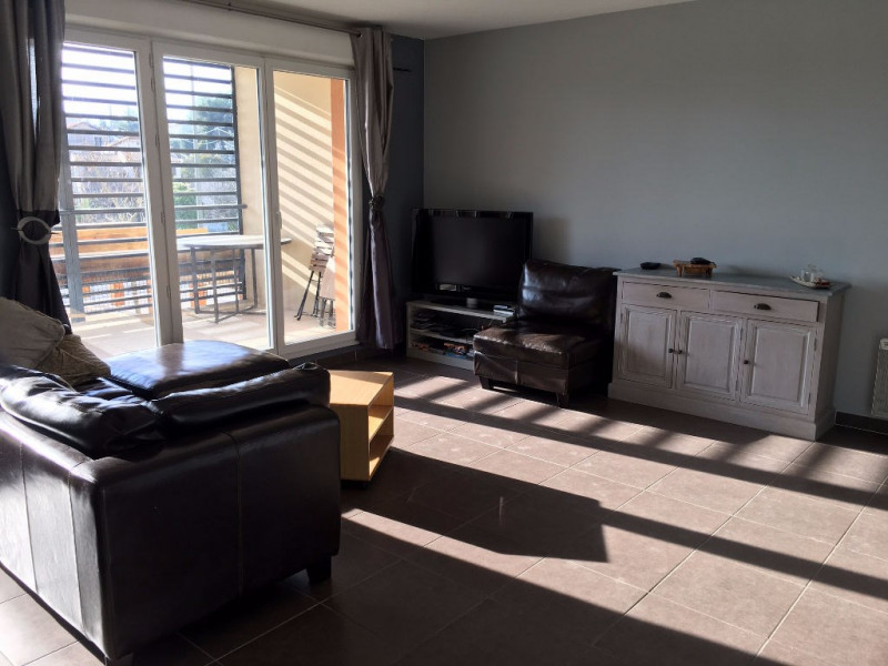 Sale apartment Marseille 165 000€ - Picture 1