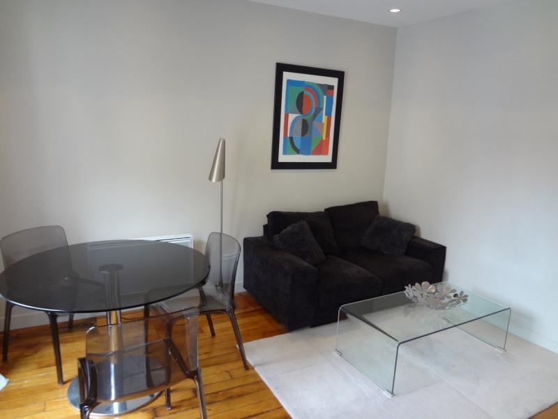 Location appartement Paris 16ème 1362€ CC - Photo 1