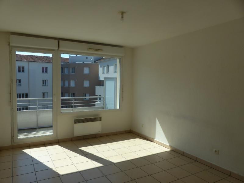 Rental apartment Bourgoin jallieu 590€ CC - Picture 1