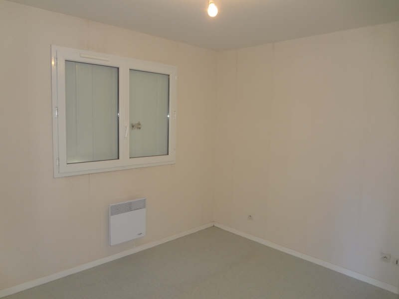 Rental apartment Ypreville biville 425€ CC - Picture 5