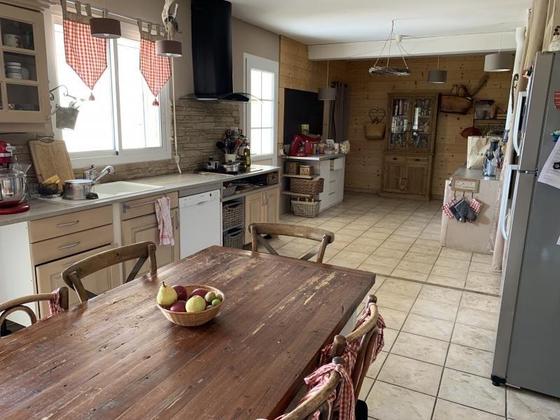 Deluxe sale house / villa Montvendre 625000€ - Picture 7