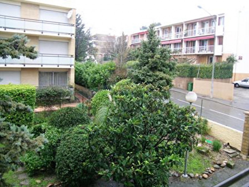 Rental apartment Aix en provence 1 250€ CC - Picture 1