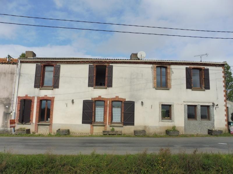Sale house / villa Le may sur evre 137900€ - Picture 1